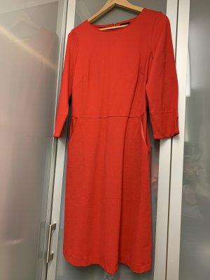 Kleid mit elegant lässigem Schnitt