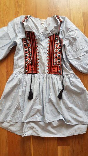Kleid mit Ethno Stickerei H&M