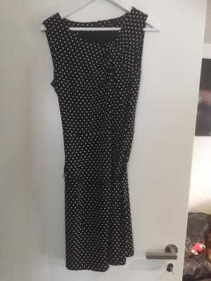 Kleid mit feinen Punkten