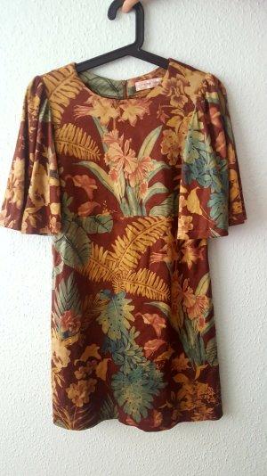 Kleid mit floralem Muster aus Samt