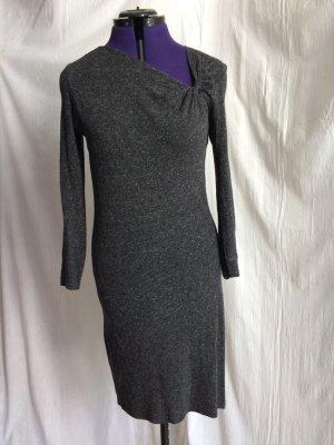 Kleid mit gerafftem Ausschnitt von nice things