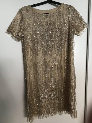 Kleid mit Golddetails