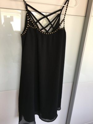 Kleid mit goldener verziehrung