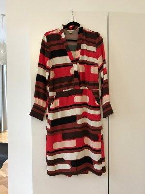 Kleid mit graphischem Muster