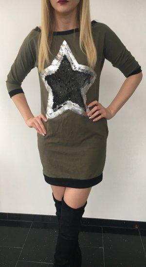 Kleid mit großen Stern