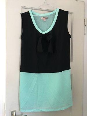 Kleid mit großer Schleife