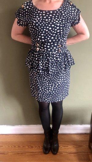 Kleid mit Herzchen