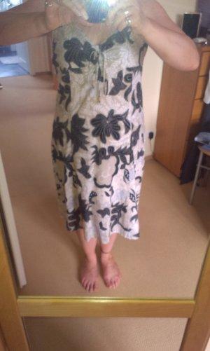 Kleid mit Jäckchen in beige