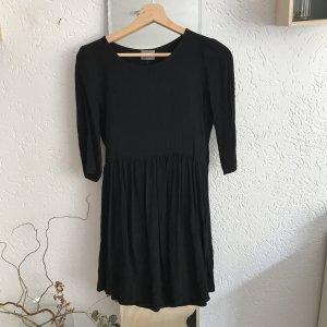 Kleid mit Knöpfen hinten von Vero Moda