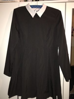 Shirtwaist dress black-white