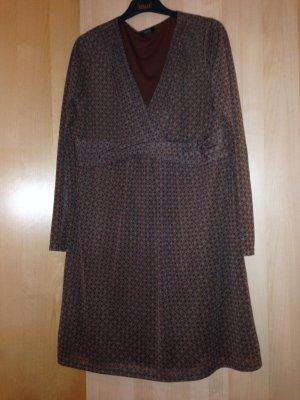 Kleid mit lagen Ärmeln von Esprit in braun mit Muster