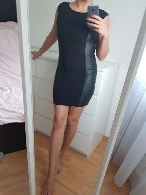Kleid mit Leder Streifen