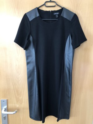 Kleid mit Lederapplikationen