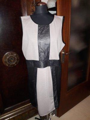 Kleid mit Ledereinsatz in Größe 42, schöne Farbtöne