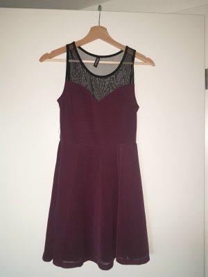 Kleid mit Mesh Einsatz