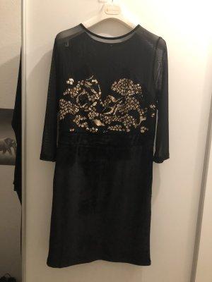 Kleid mit Mesheinsatz, Pailletten und Samt