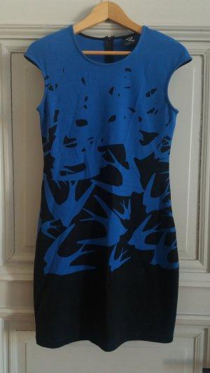 Kleid mit Motiv in Blau / Schwarz