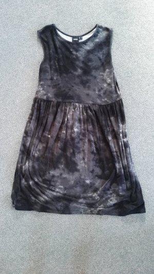 Kleid mit Muster Asos