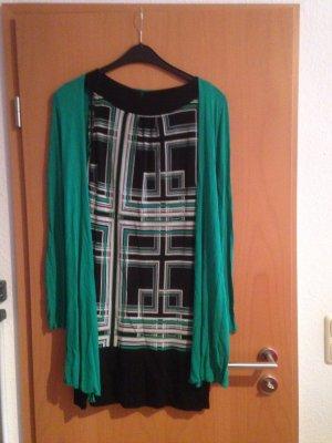 Kleid mit passender leichten Strickjacke