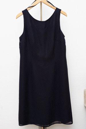 Kleid mit Pünktchen in Dunkelblau