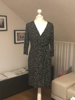 Kleid mit Punkten in Größe 36 von Esprit abzugeben