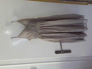 Kleid mit Punkten Neu