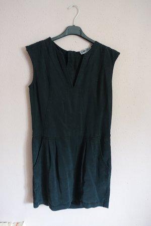 Kleid mit Reißverschluss und V-Ausschnitt, Einstecktaschen