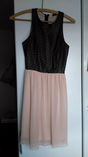 Kleid mit rosa Rock