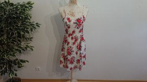 Kleid mit Rosenblüten