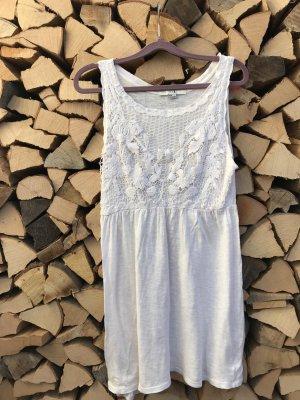 Kleid mit schönem Häkelmuster von Forever 21