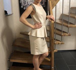 Kleid mit Schösschen