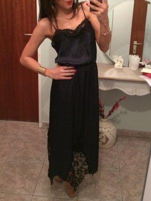 Kleid mit Spitze aus fließenden Stoff, Nachtblau
