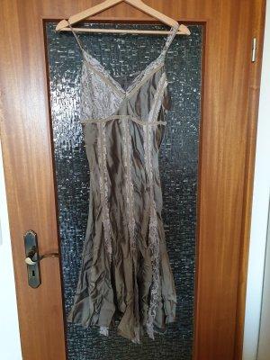 Kleid mit Spitze - Figurumspielend Gr.40