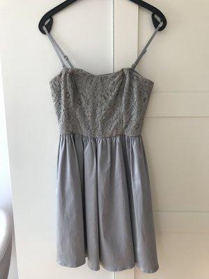 Kleid mit Spitze Gr. 36