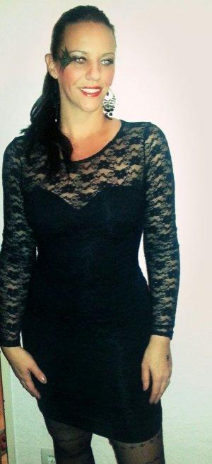 Kleid mit Spitze Gr S. Passt auch in M