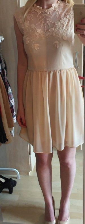 Kleid mit Spitze - Oasis