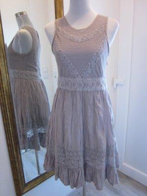 Kleid mit Spitze Romantisch Taupe Schlammfarben 27% Seide Gr S 38