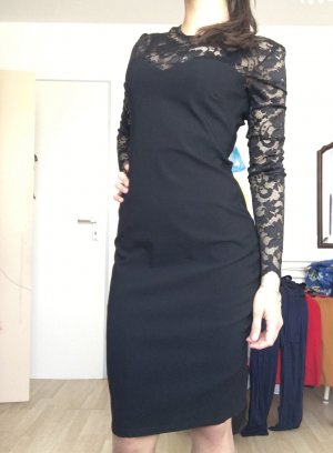 Kleid mit spitze und langen Ärmeln
