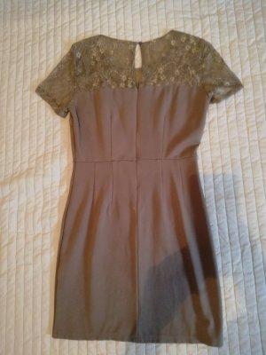 Kleid mit Spitzen Applikationen