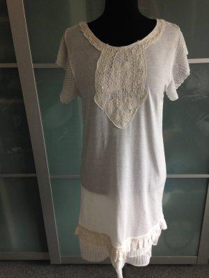 Kleid mit spitzen Details