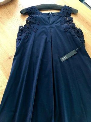 Kleid mit Spitzenbesatz von Steffen Schraut