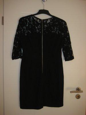 Kleid mit Spitzenoberteil