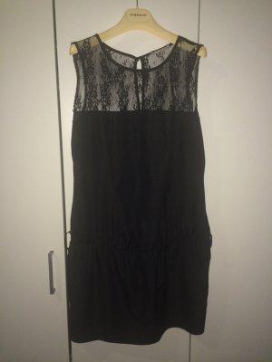 Kleid mit Spitzenrinsatz