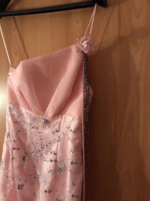 Kleid mit Steine und Schleppe