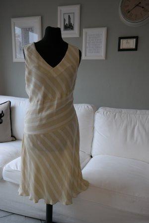 Kleid mit Streifen und ohne Ärmel