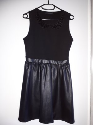 Kleid mit süßem Kragen