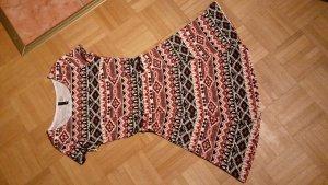 Kleid mit süßem Muster