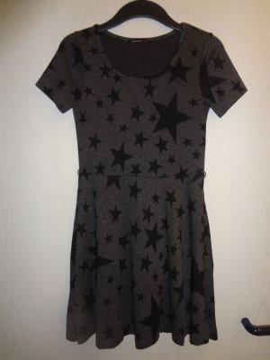 Kleid mit süßem Sternemuster Gr. S