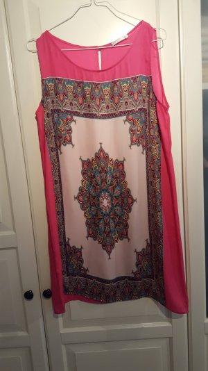Kleid mit tollem Muster