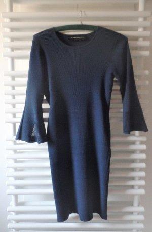 Kleid mit Trompetenärmel und cut-outs, Model Nittao, Farbe Navy